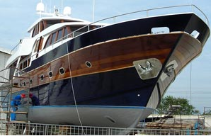Have Your Boat Detailed By a Professional Yacht Detailer Or Detail It Yourself And Save Money